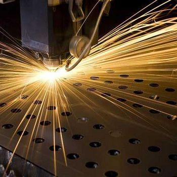 máquina de corte a laser em alumínio