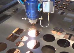 máquina de corte a laser para acrílico