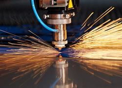 corte de madeira a laser
