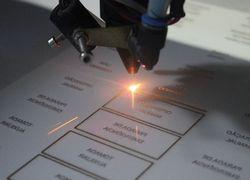 máquina gravação a laser