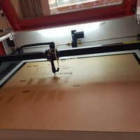 Máquina a laser para madeira